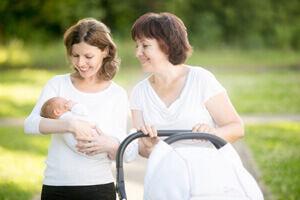 7 dolog, amit NE vigyél ajándékba unoka születésére