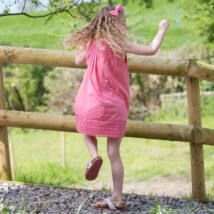 Nyári lányka ruha csipke rátéttel