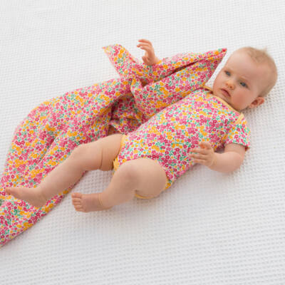 NaturAnyu Babaruha-Gyerekruha Édes kis virágmintás baba body