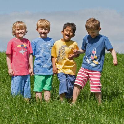 NaturAnyu Babaruha-Gyerekruha Organikus pamut gyerek póló vitorlással