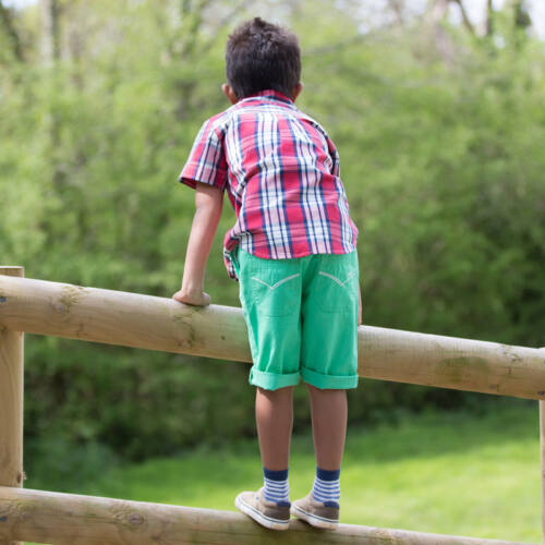 NaturAnyu Babaruha-Gyerekruha Divatos kisfiú deck rövidnadrág